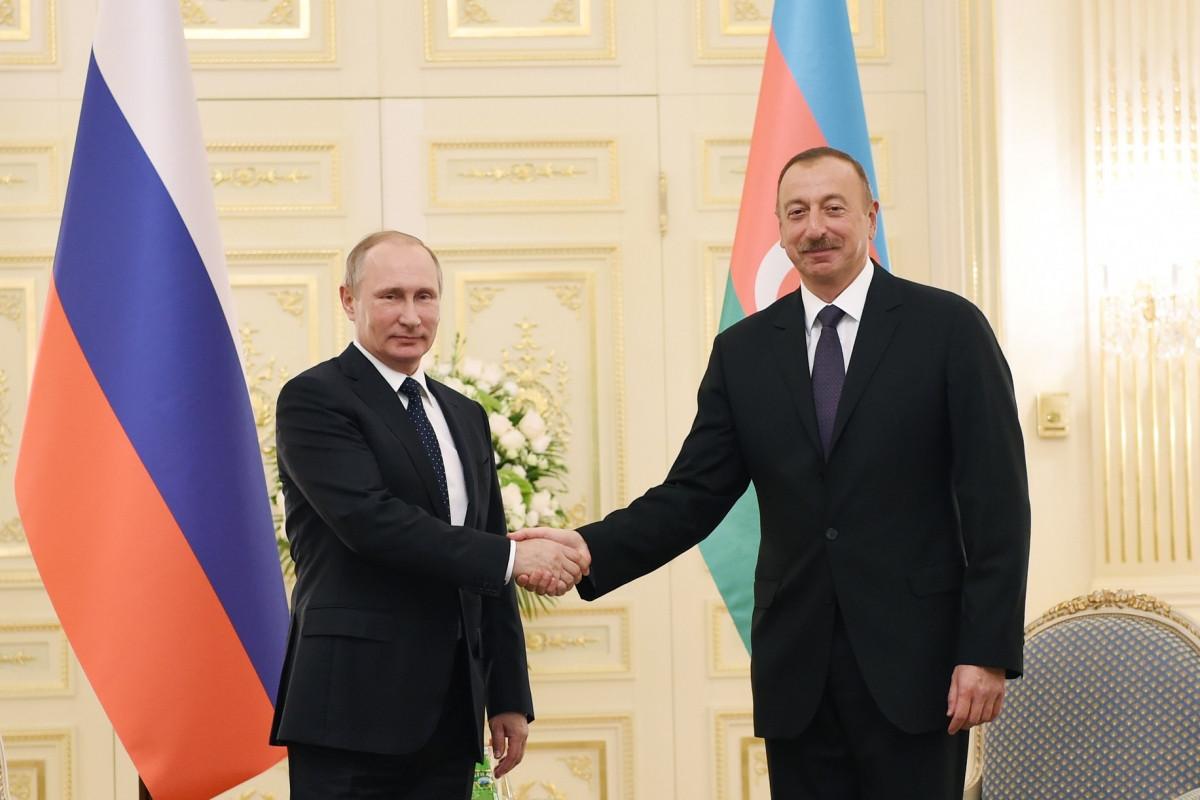Президент Ильхам Алиев поздравил Владимира Путина