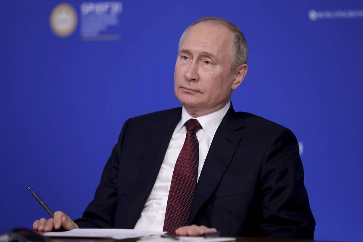 Путин заявил об уважении к Трампу и назвал его ярким человеком