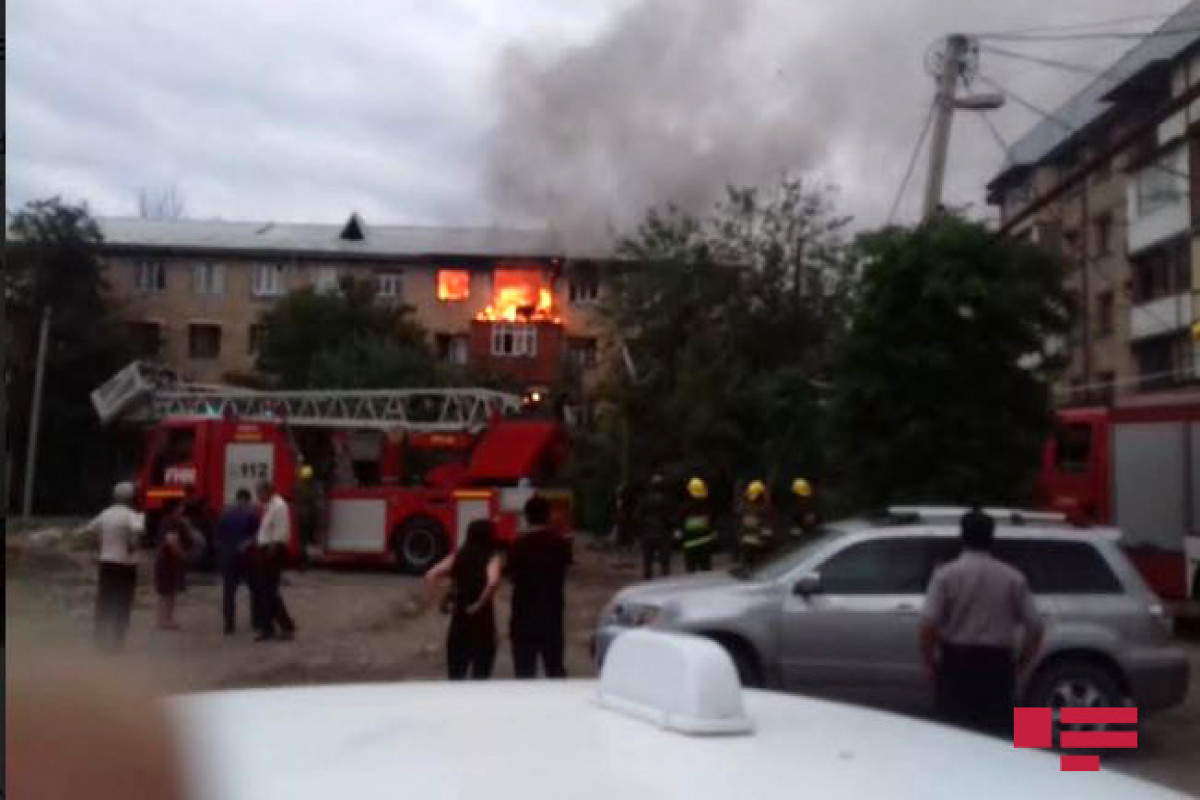 Fire breaks out in residential building in Ganja, 3 injured, 15 evacuated