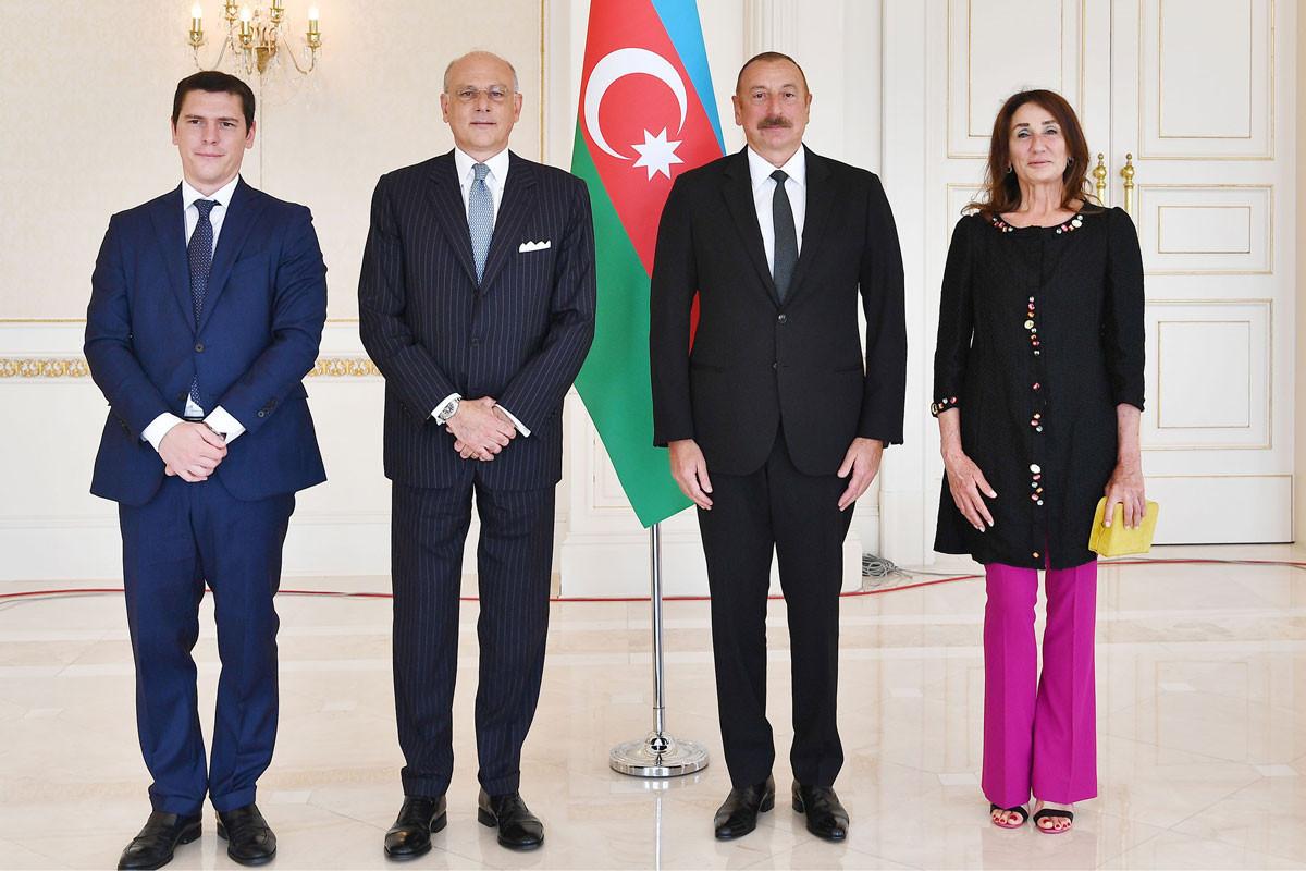 President Ilham Aliyev received credentials of incoming Italian ambassador