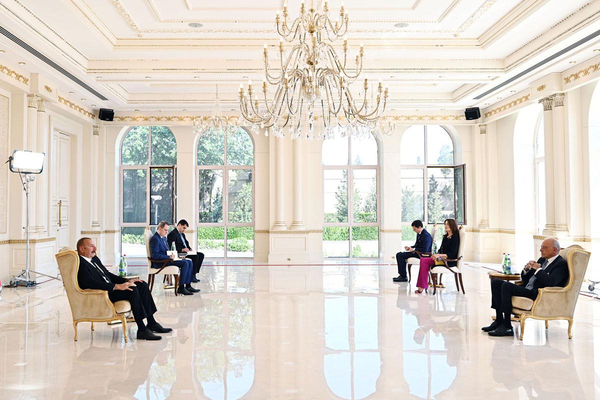 Президент Ильхам Алиев: Надеюсь, что мы сможем найти и другие направления для увеличения товарооборота с Италией