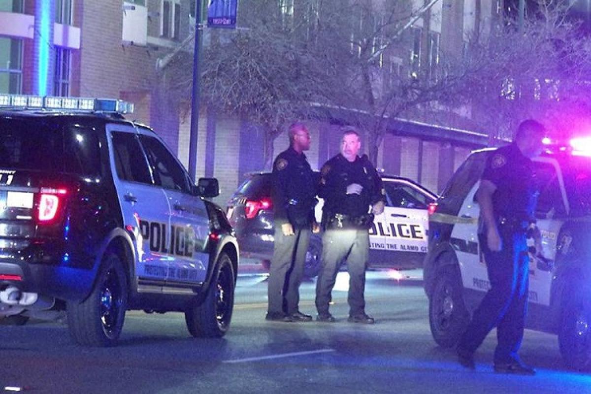 ABŞ-ın Texas ştatında 14 nəfəri yaralayan silahlılardan biri saxlanılıb