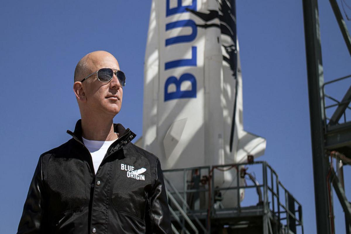 Ceff Bezosla kosmosa uçuş imkanı 28 mln. dollara satılıb
