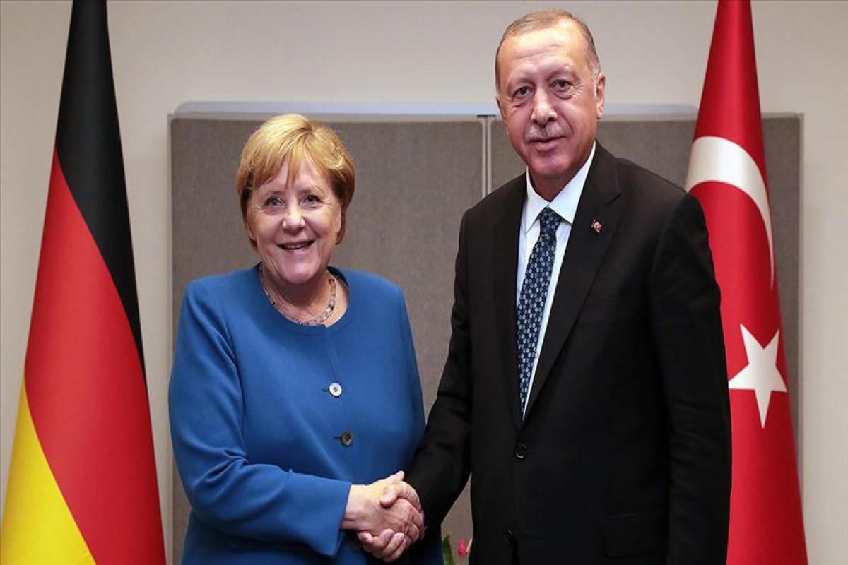"""Состоялась встреча Эрдогана и Меркель-<span class=""""red_color"""">ОБНОВЛЕНО"""