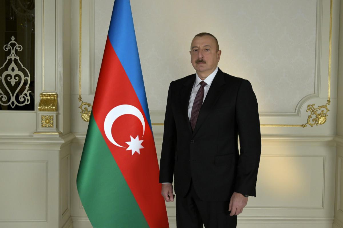 President Ilham Aliyev views construction of bridge over Victory Road