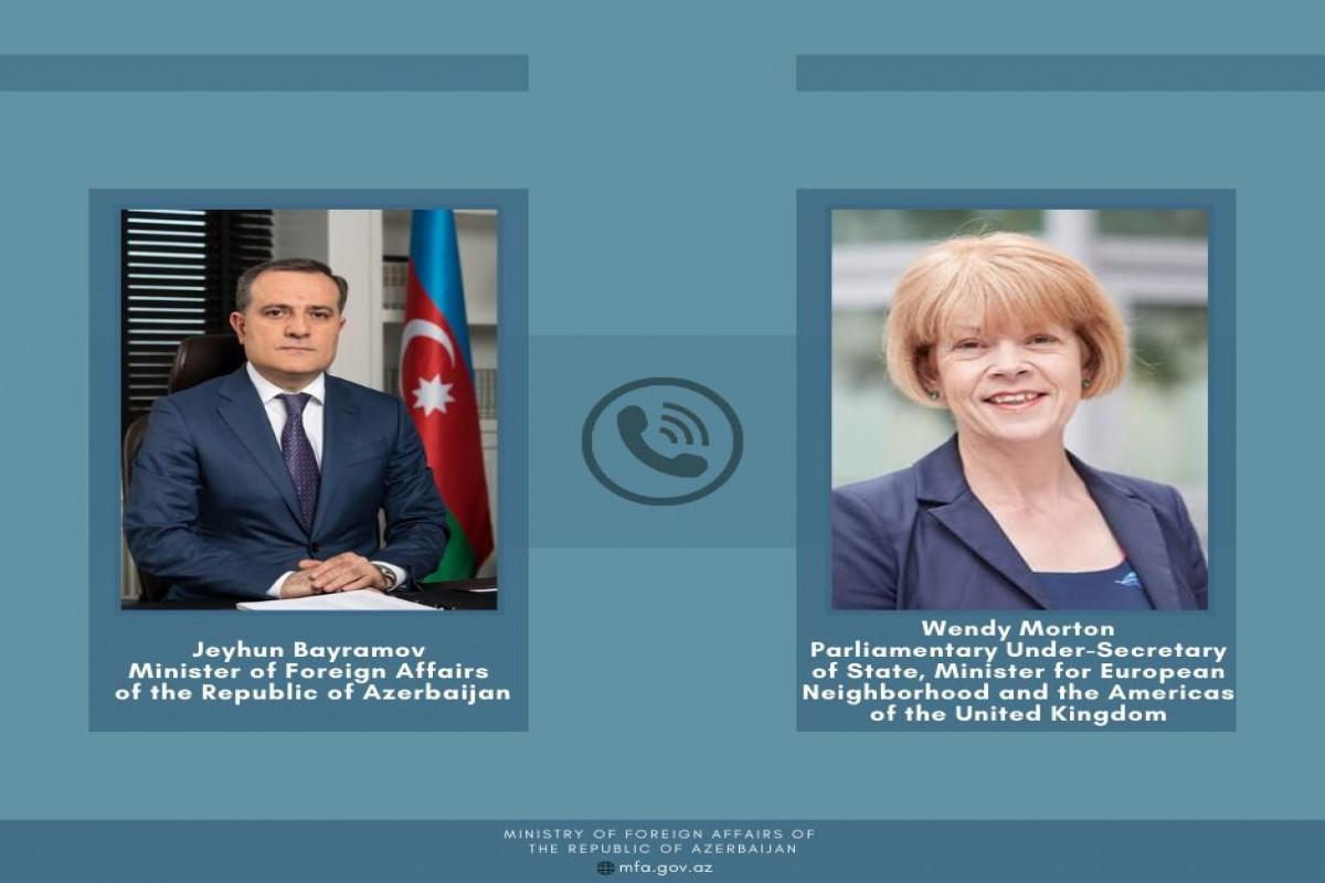 Ceyhun Bayramov Britaniyanın Dövlət Naziri ilə telefonla danışıb