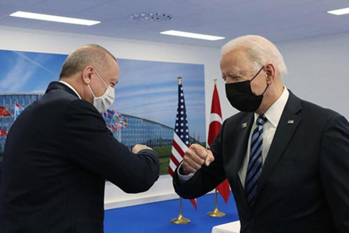Журналисты в делегации Байдена раскритиковали Белый дом за организацию встречи с Эрдоганом