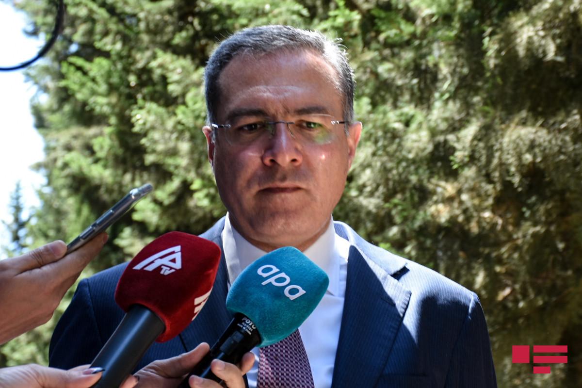 """Prezidentin köməkçisi: """"Quru sərhədlərinin açılması müzakirə olunmur"""""""