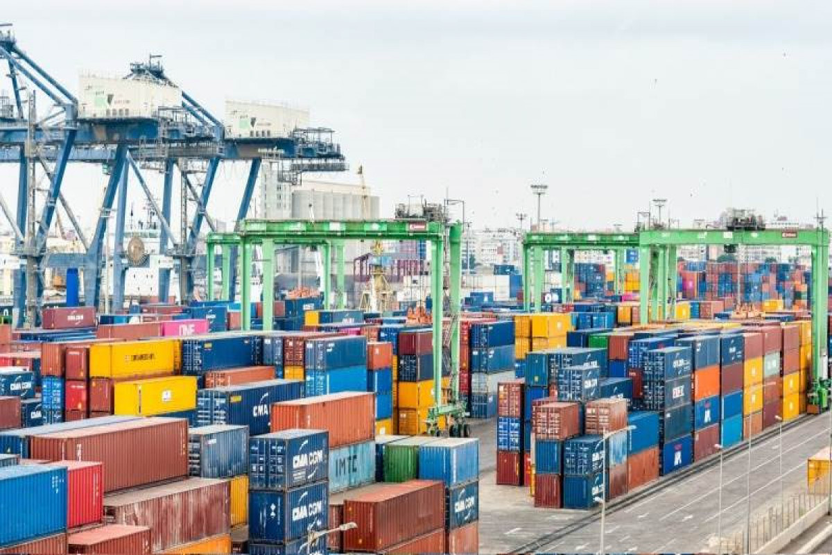 Eurozone trade surplus expands to €10.9B in April
