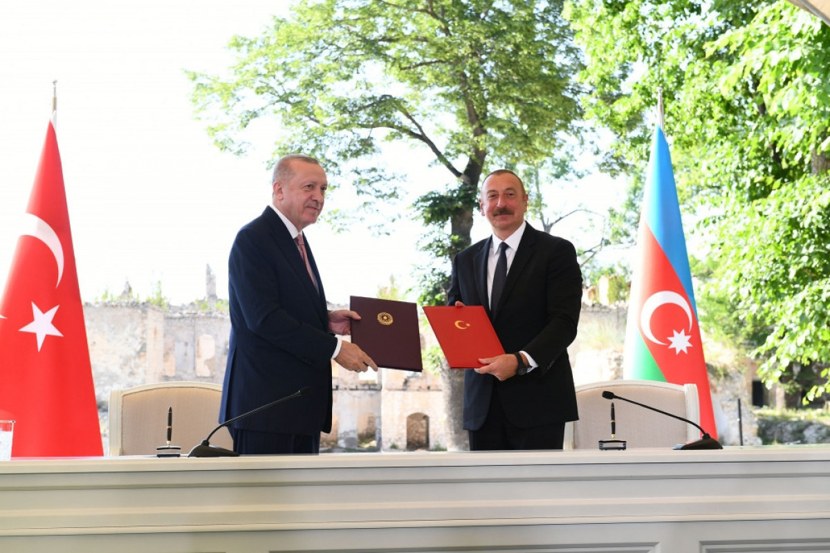 Azerbaijan and Turkey will provide necessary assistance to each other in case of threat or aggression by a third country