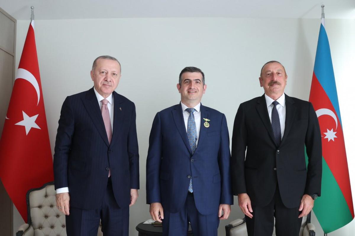 President Ilham Aliyev presents the Karabakh Order to Bayar CEO Lutfi Haluk Bayraktar