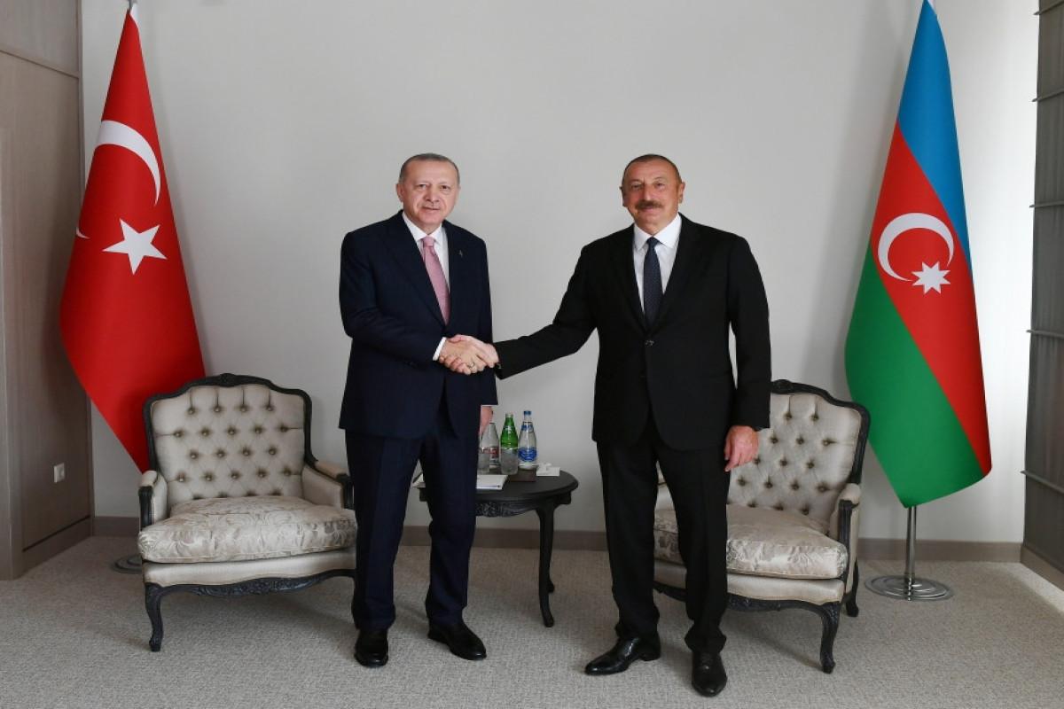 Состоялся совместный обед президентов Азербайджана и Турции в Шуше