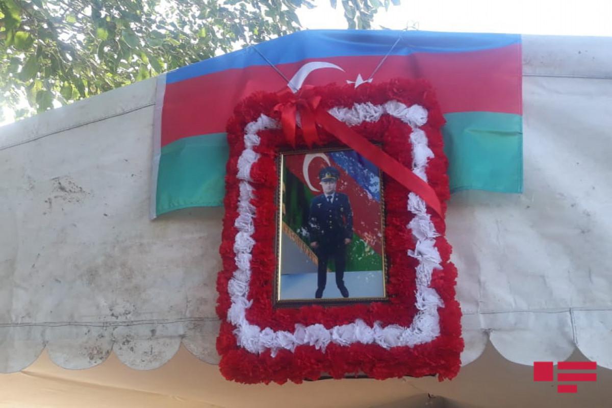 Военнослужащий, погибший в ДТП в Лачине, похоронен в Товузе – <span class=