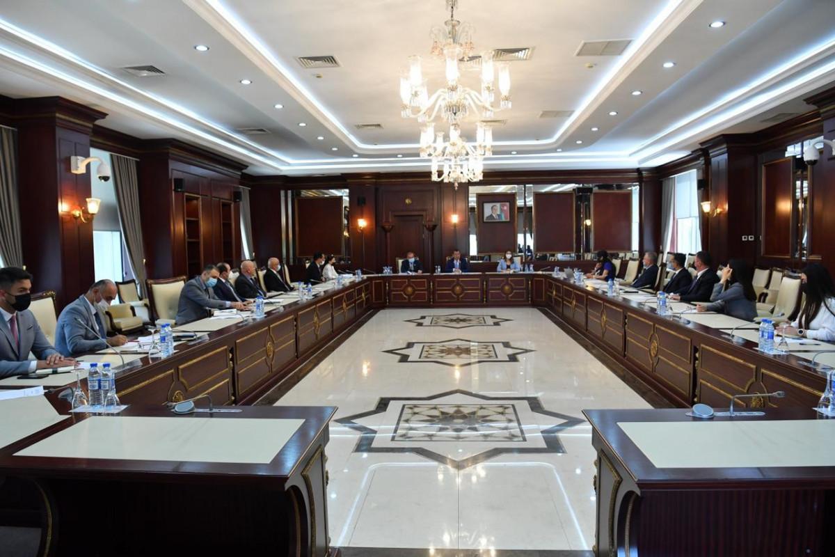 Комитет Милли Меджлиса обратится к парламенту и правительству Нидерландов