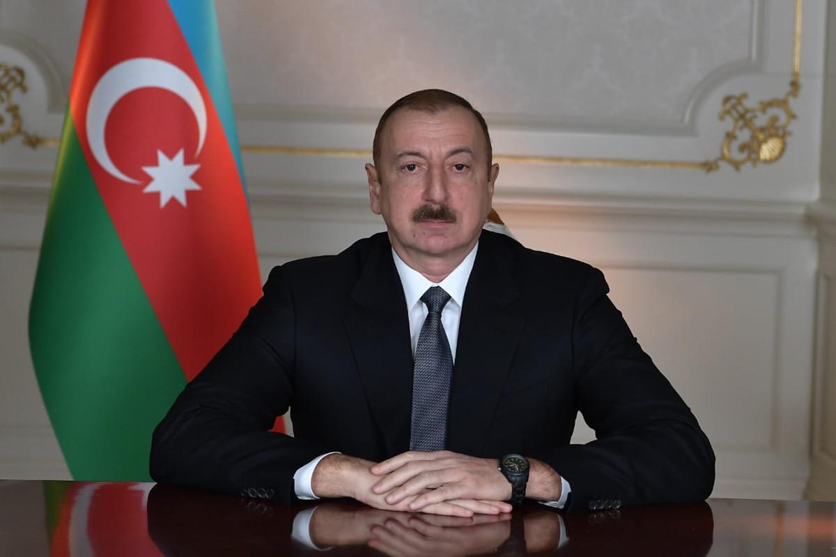 "Azerbaijani President awards a group of health workers with ""Taraggi"" medal"