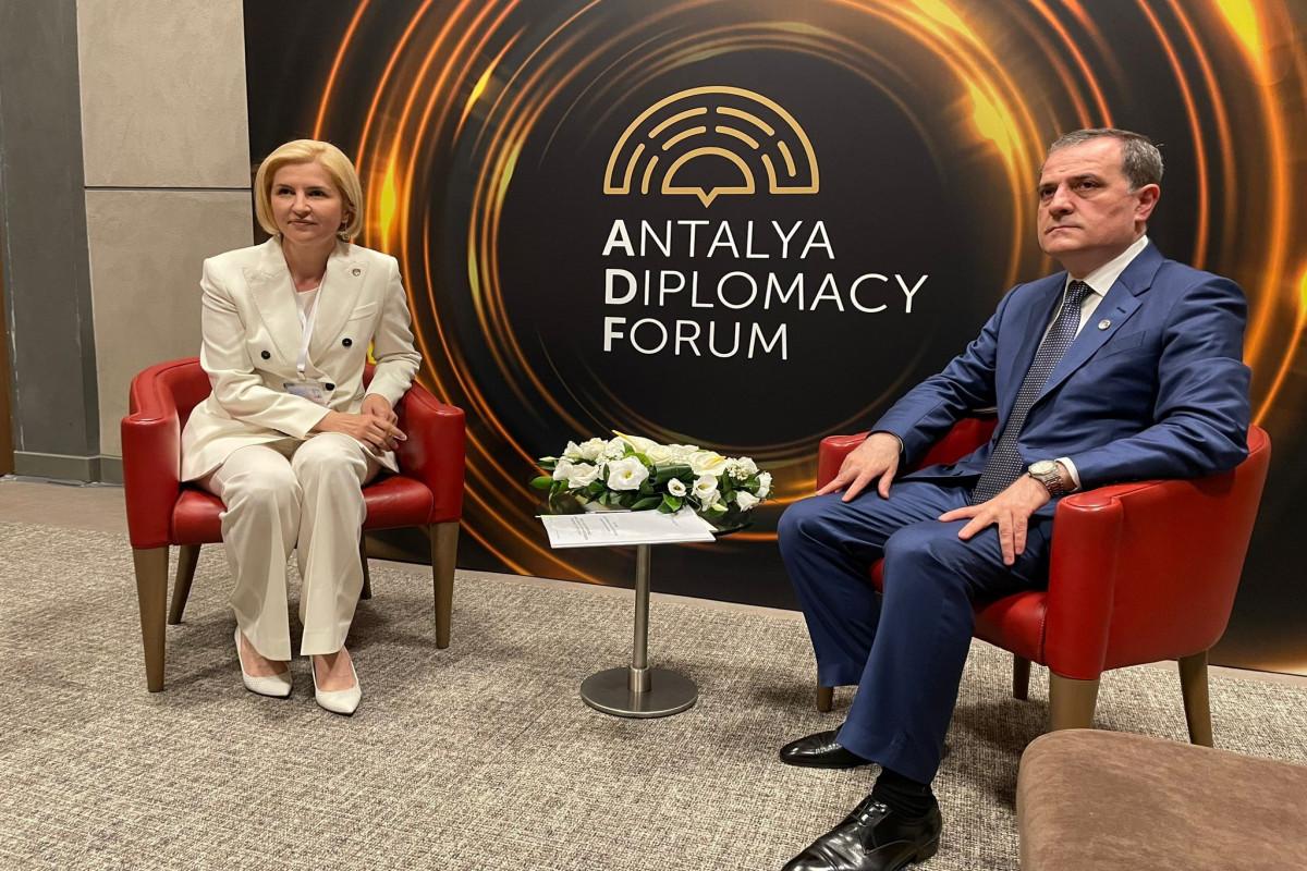 Ceyhun Bayramov Moldovanın Qaqauziya Muxtar Ərazisinin rəhbəri ilə görüşüb