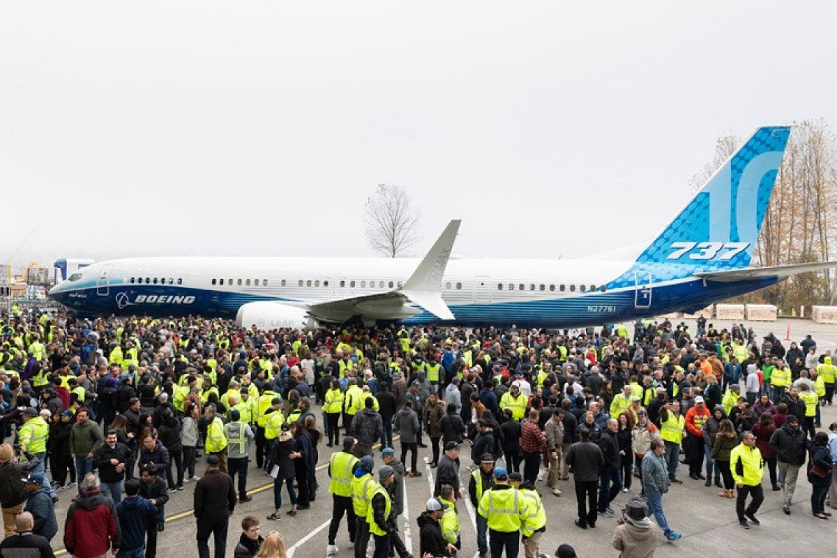 """""""Boeing 737 MAX 10"""" ilk uçuşunu həyata keçirib"""