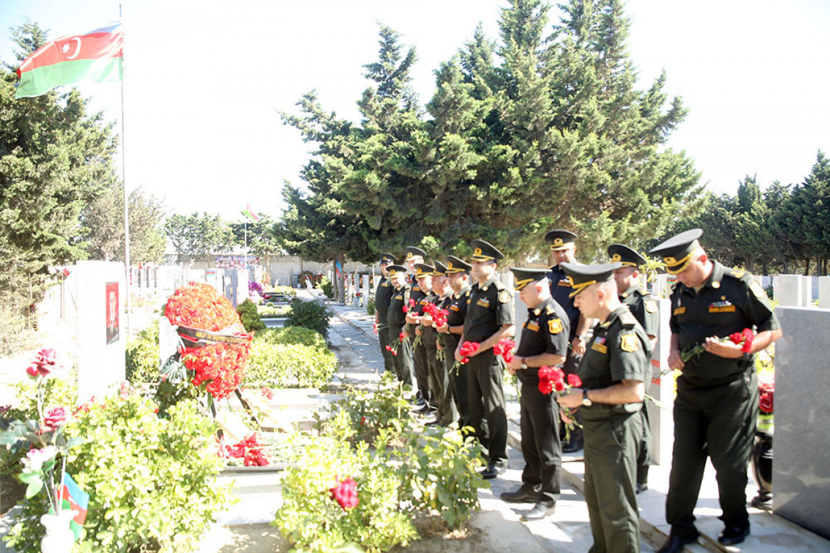 Servicemen of the Ministry of Defense visited the grave of the National Hero Mubariz Ibrahimov