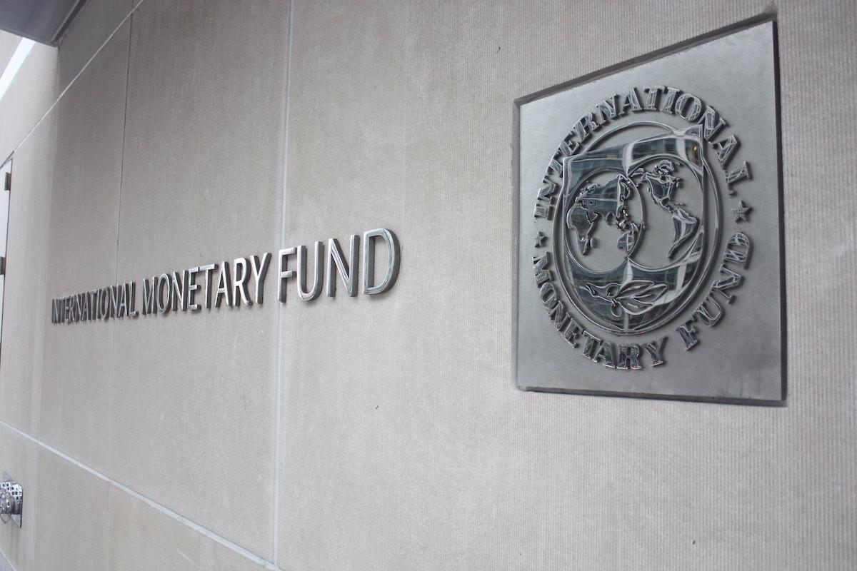 BVF: Azərbaycan banklarının kredit faizləri orta dərəcədə azalıb