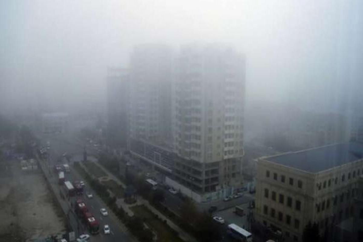 Bakıda havada toz dumanı davam edir