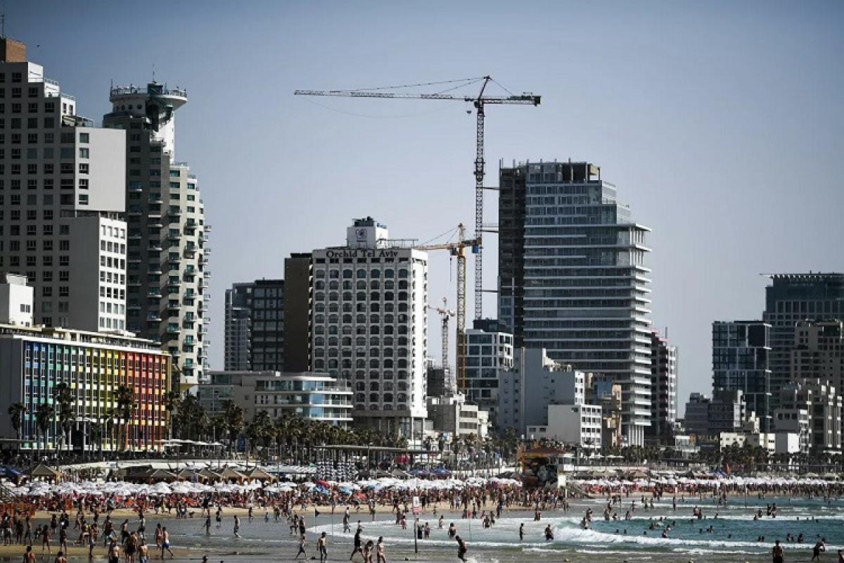 İsrail peyvənd olunmuş turistlərə sərhədlərini açır