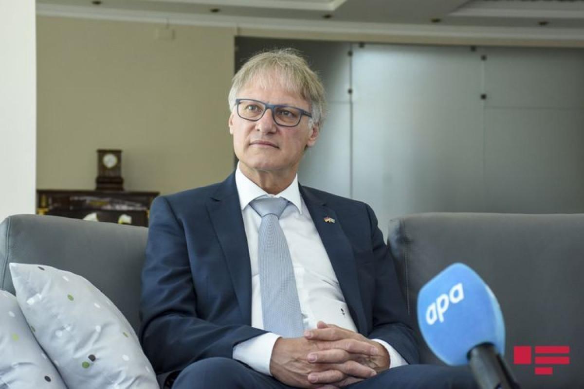 Посол Германии: Верим, что переговоры продолжатся в соответствии с трехсторонним заявлением