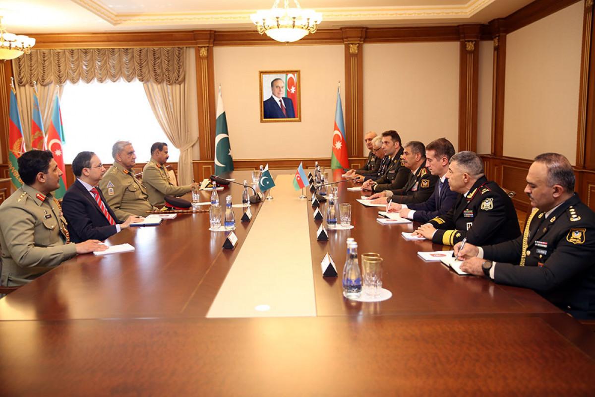 Azərbaycanla Pakistan arasında hərbi əməkdaşlığın genişləndirilməsi məsələləri müzakirə olunub