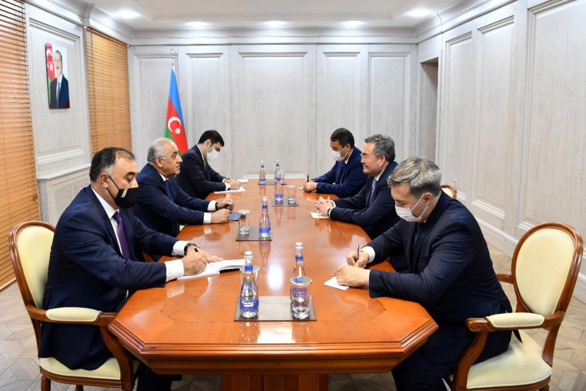 Azerbaijani PM meets with Deputy PM of Kazakhstan