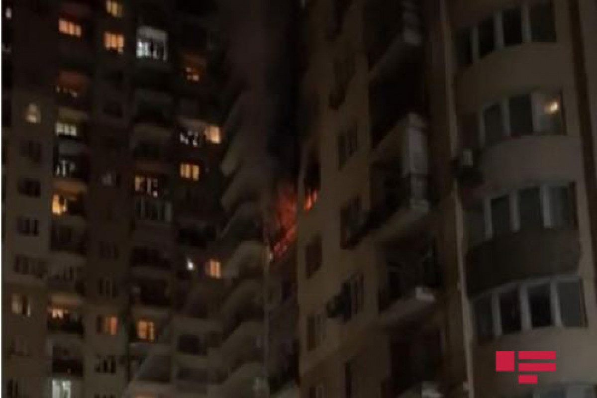 """Пожар в многоэтажном здании в Баку потушен-<span class=""""red_color"""">ВИДЕО</span>-<span class=""""red_color"""">ОБНОВЛЕНО</span>"""