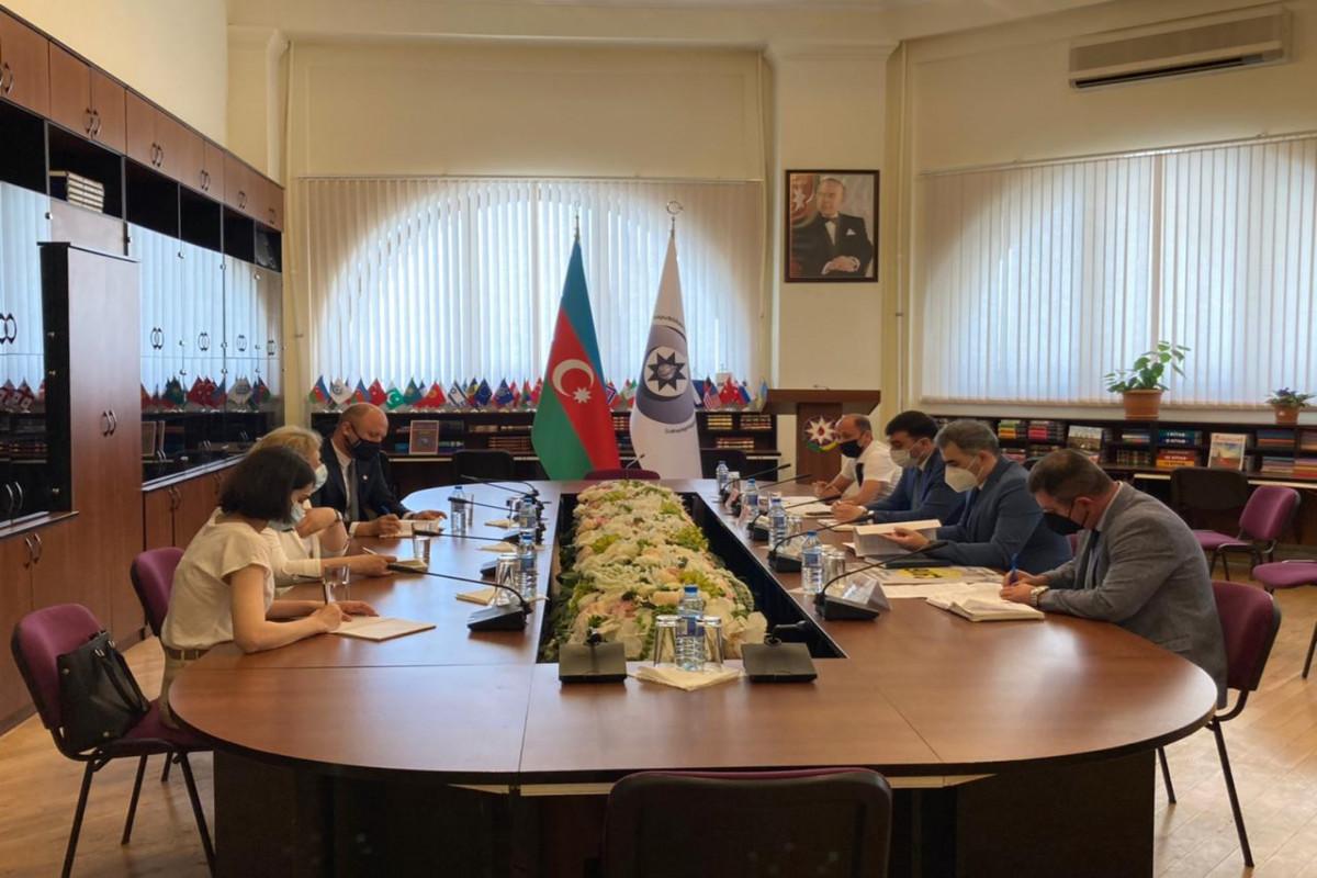 Ombudsmanın nümayəndələri Beynəlxalq Qızıl Xaç Komitəsinin təmsilçiləri ilə görüşüb