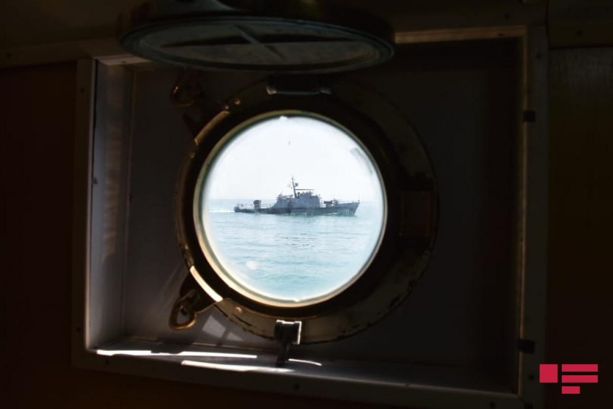 Hərbi Dəniz Qüvvələrində taktiki təlimlər davam etdirilir