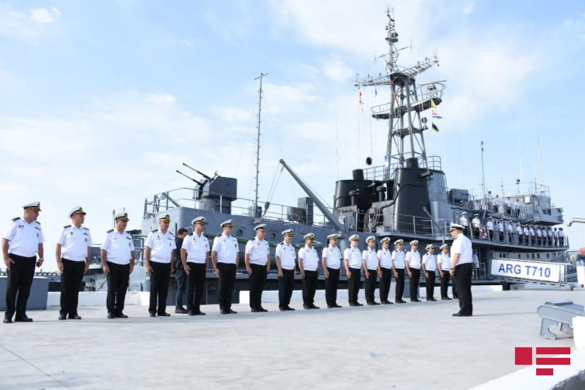 ВМС Азербайджана продолжают тактические учения