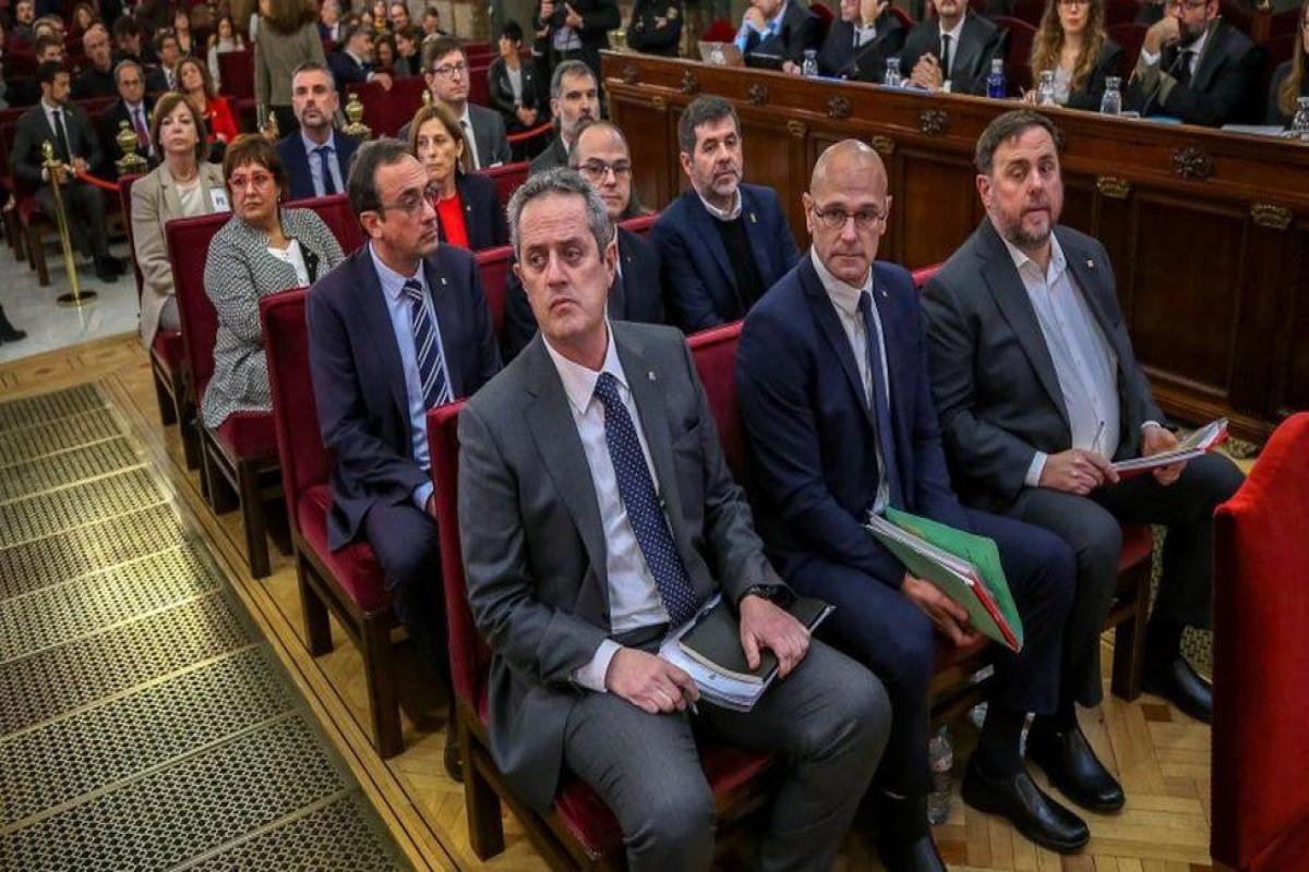 Spain pardons Catalan leaders over independence bid