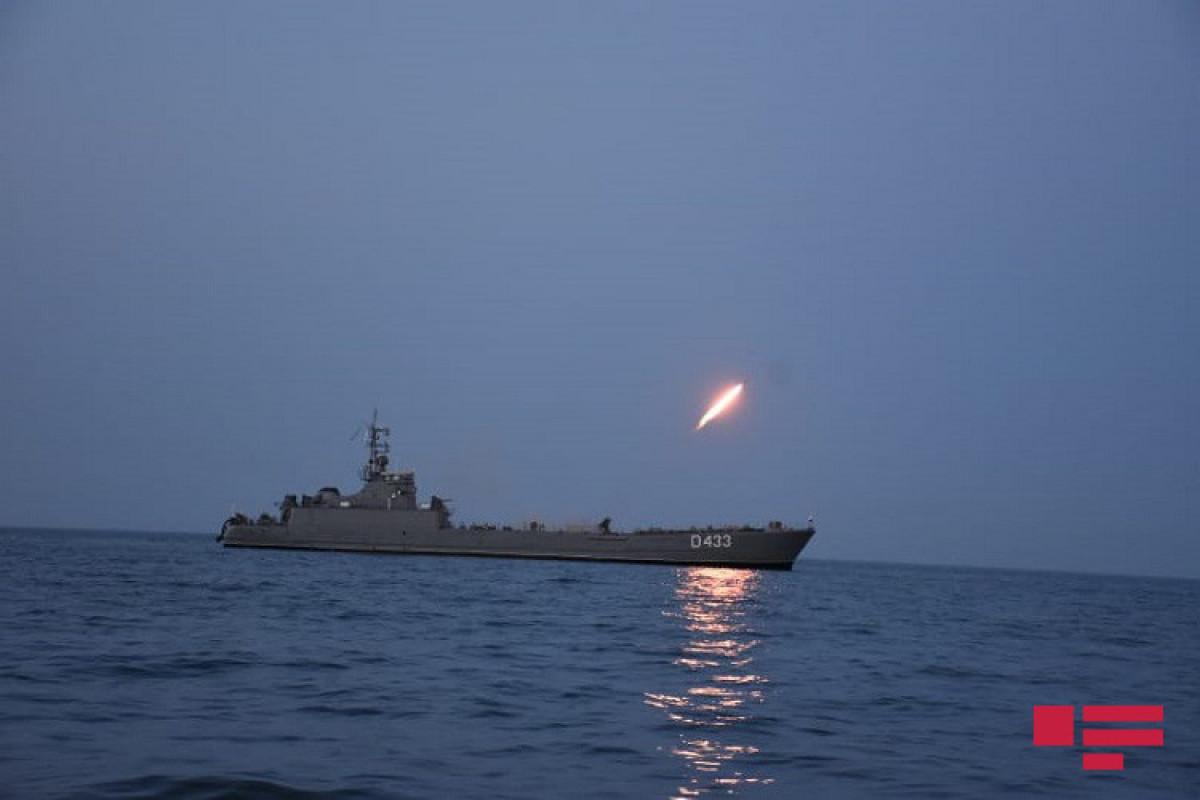 На учениях ВМС выполнены ночные стрельбы – <span class=