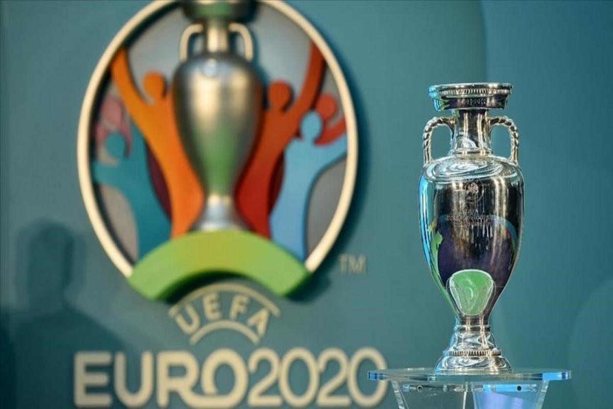 England beat Czech Republic to win Group D