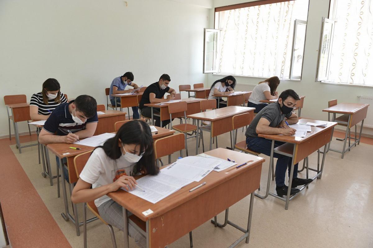 Ötən il imtahanda iştirak edən abituriyentlərin 55 faizə yaxını universitetlərə qəbul olmayıb