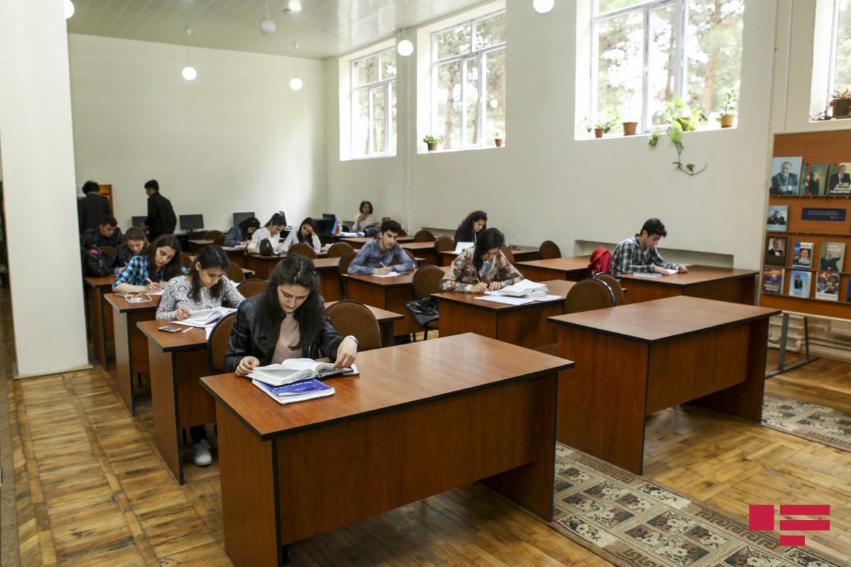В Азербайджане 36 учеников IX-XI классов не умеют читать и писать
