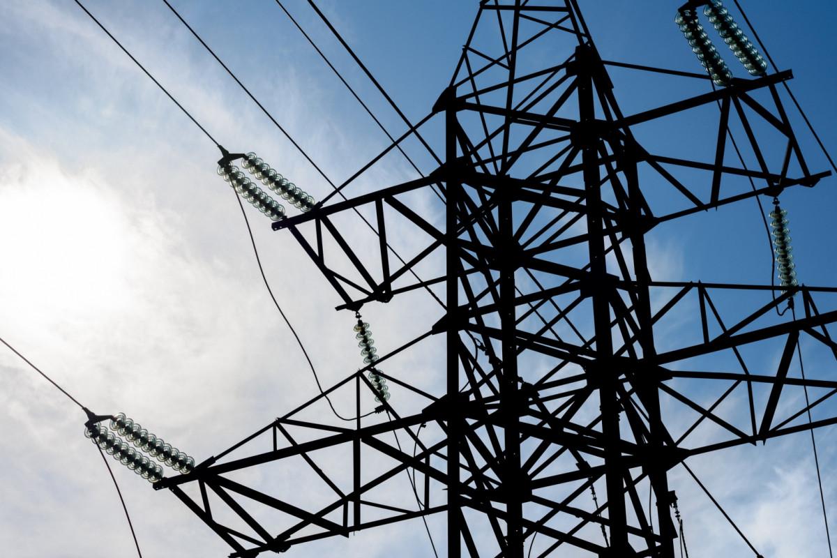 Azərbaycanda elektrik enerjisi, qaz və buxar istehsalı sektorunun gəlirləri artıb