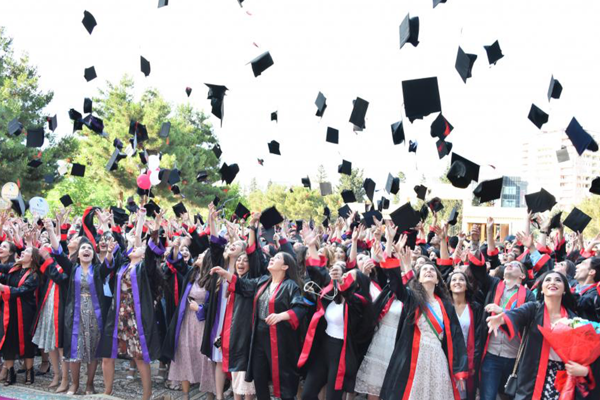 Azerbaijan's Ministry of Education: Graduation day can be held