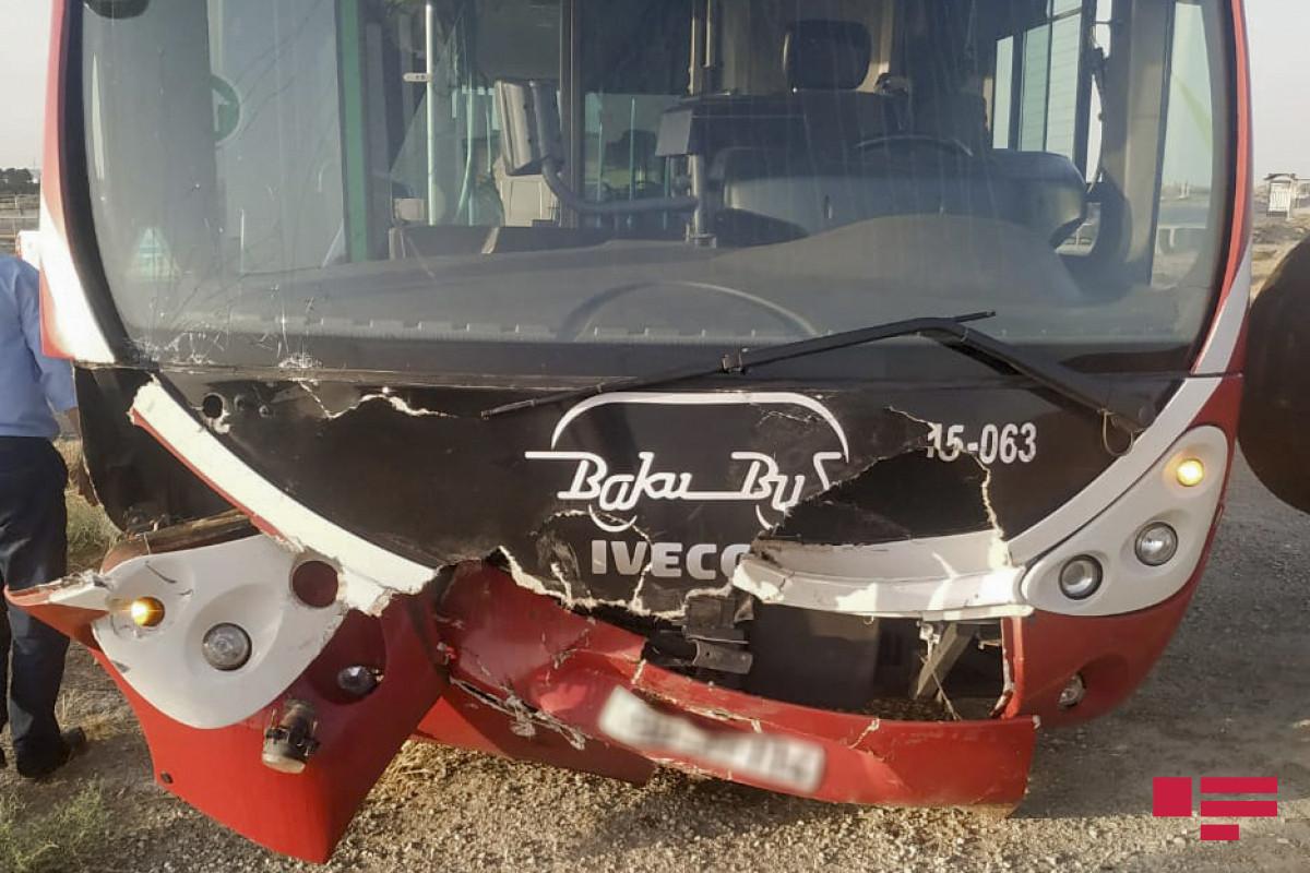 В Баку столкнулись два пассажирских автобуса, пострадали 7 человек