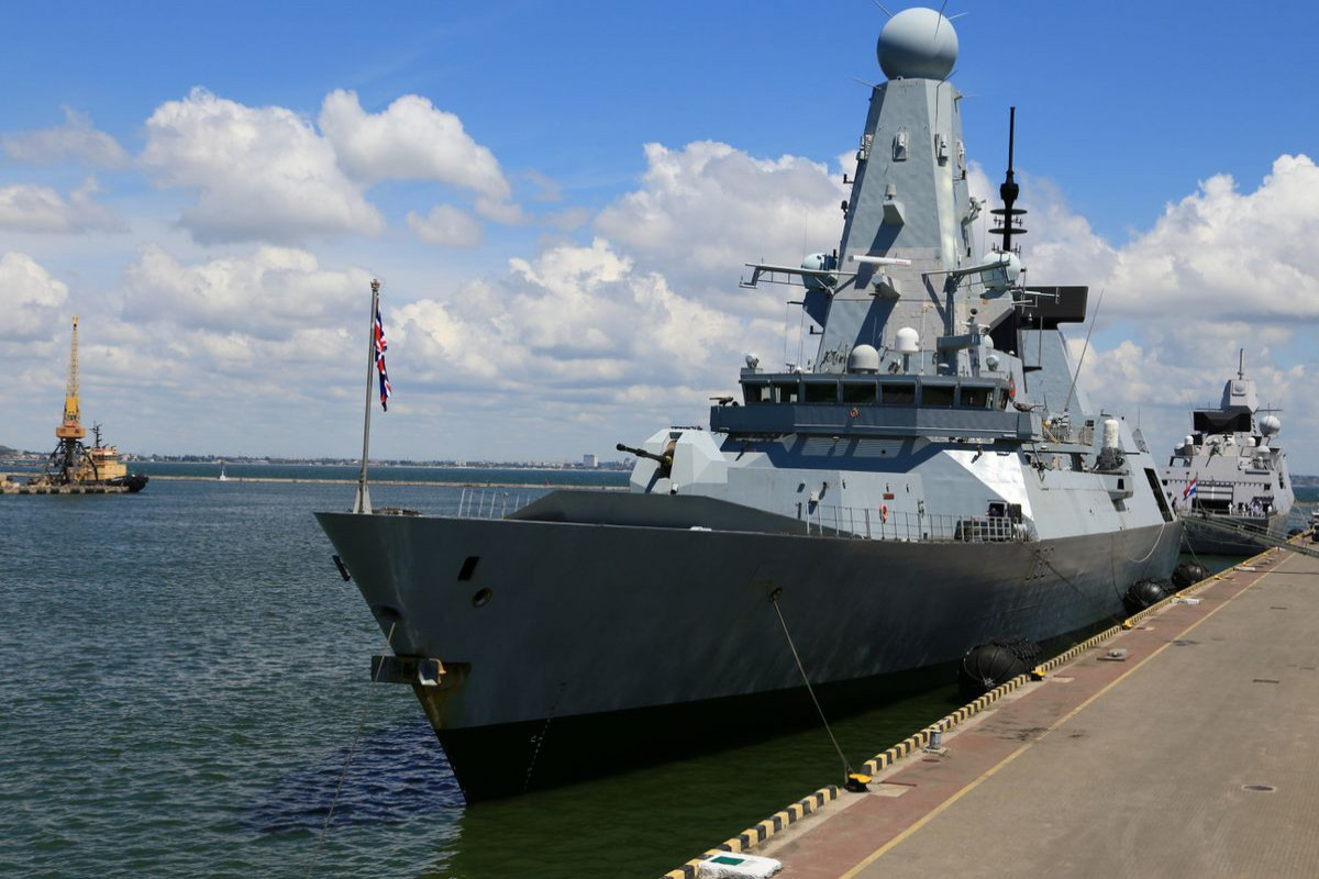 Russia warns Britain it will bomb ships next time