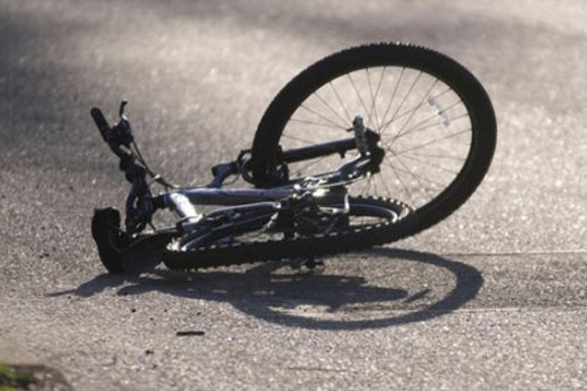 Goranboyda velosiped sürən yeniyetməni avtomobil vurub