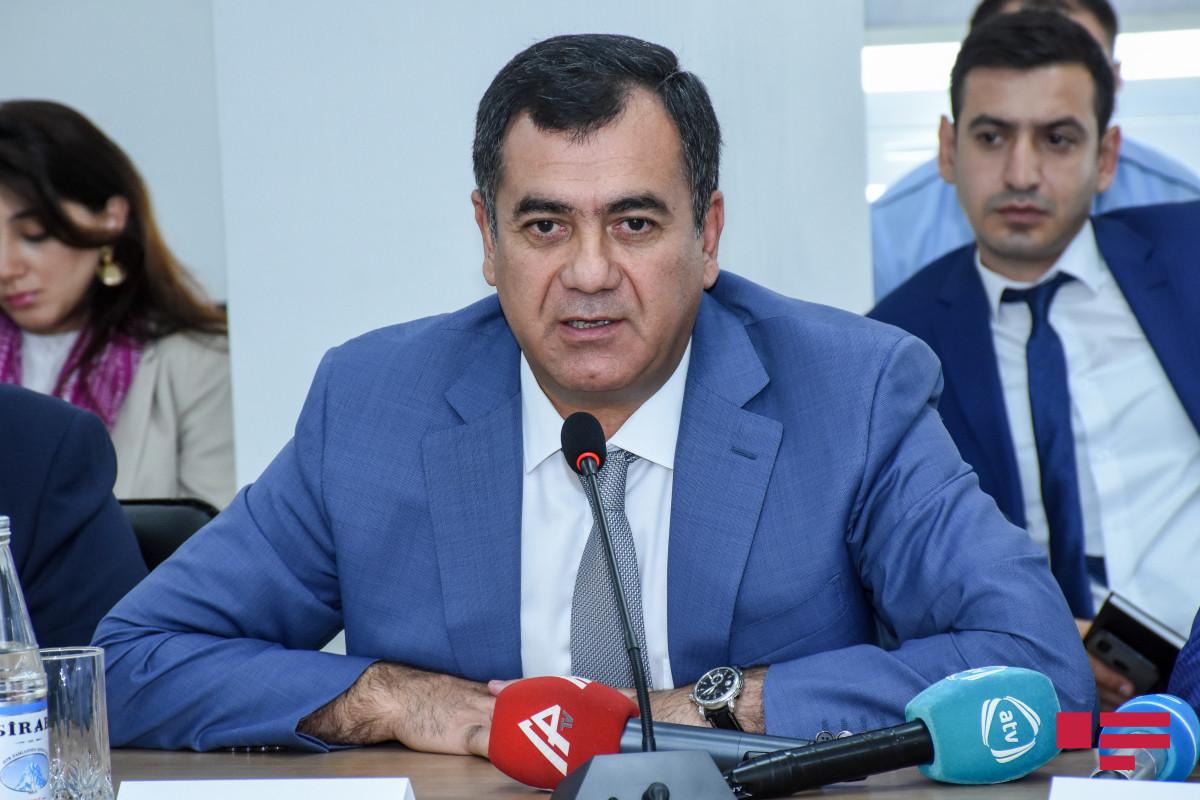 Гудрат Гасангулиев: Во всех поступающих законопроектах увеличиваются пошлины и налоги