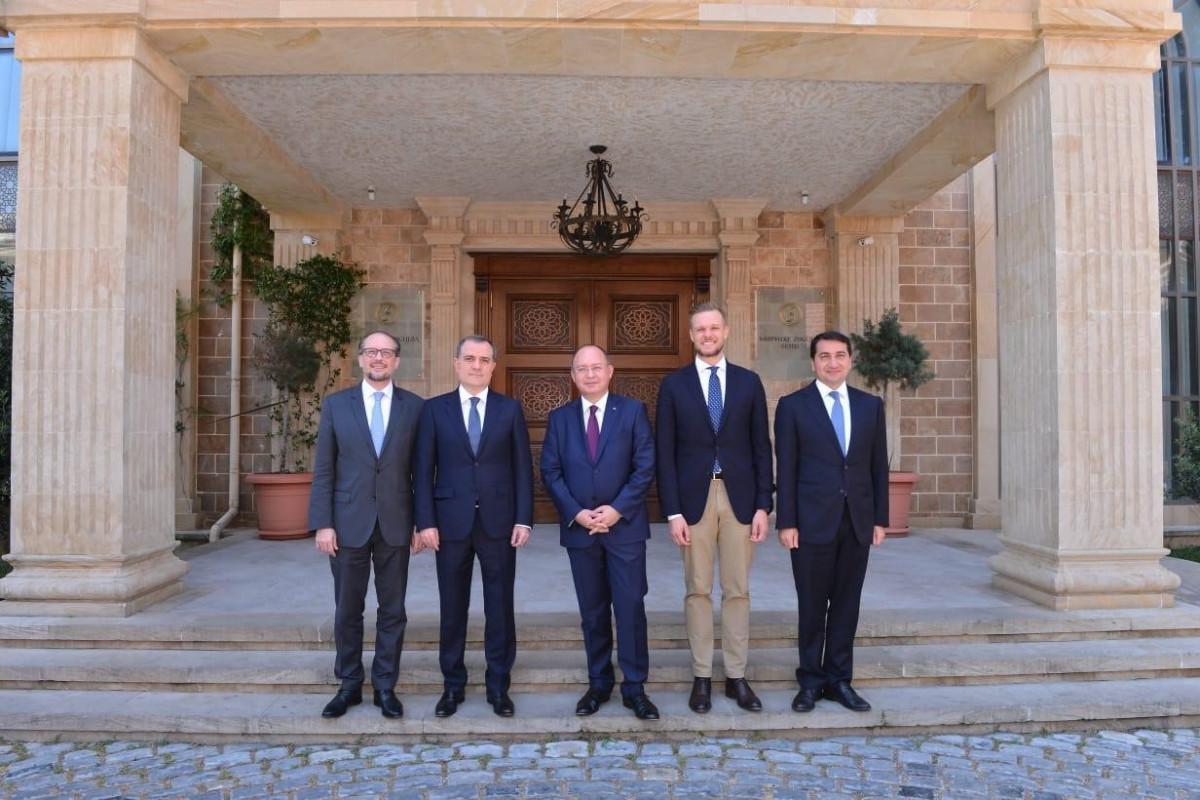 Хикмет Гаджиев и Джейхун Байрамов встретились с главами МИД Литвы, Австрии и Румынии-ОБНОВЛЕНО