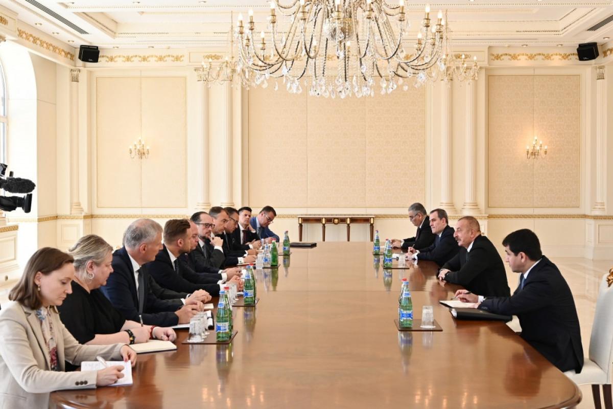 Президент Ильхам Алиев принял глав МИД Румынии, Австрии, Литвы и делегацию ЕС-ОБНОВЛЕНО