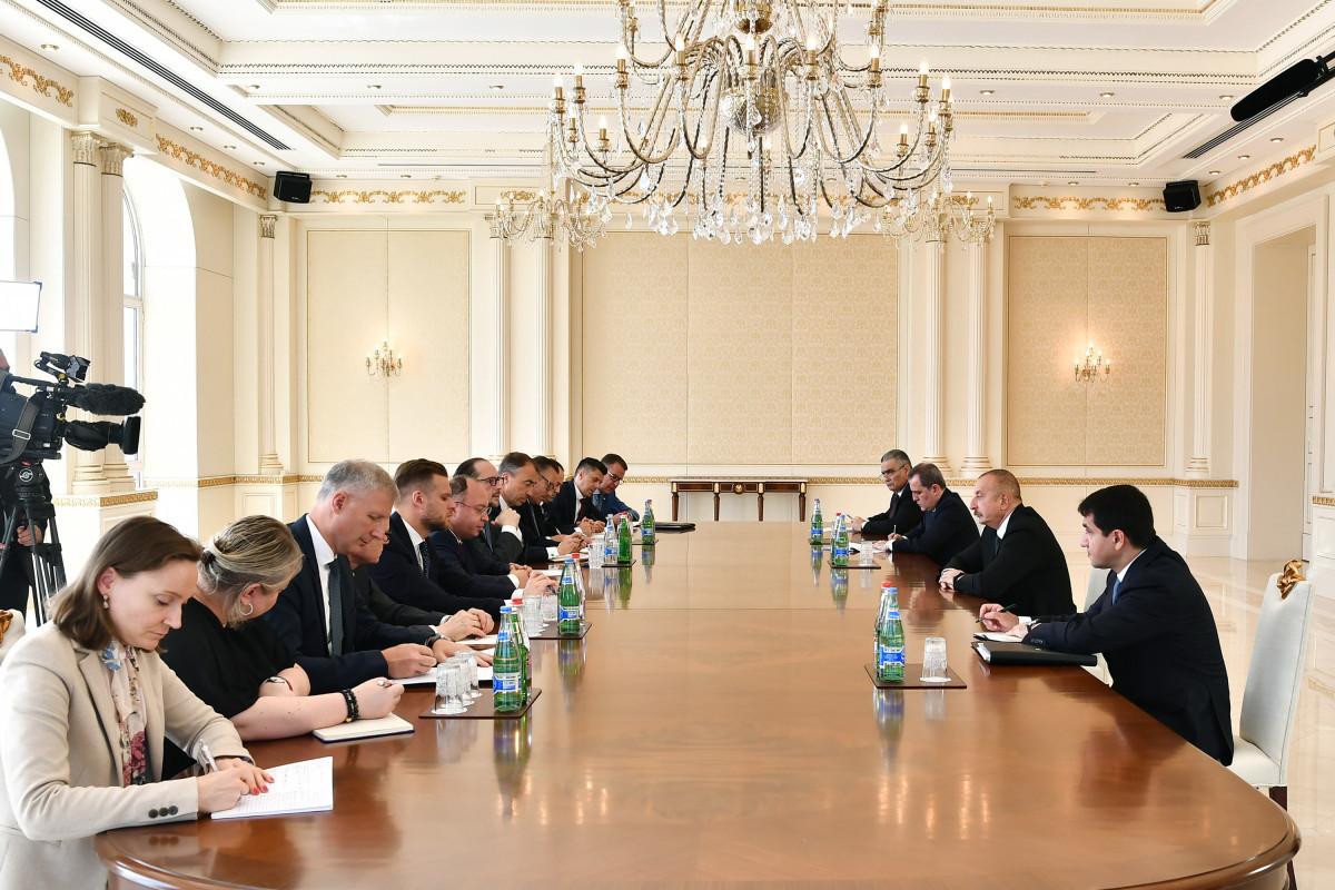 Ильхам Алиев: Нагорно-карабахский конфликт урегулирован, никаких вопросов для ведения пеговоров, здесь нет