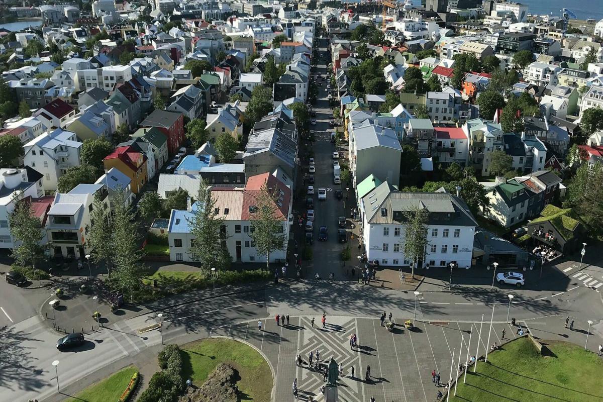 Исландия первой из европейских стран сняла все ограничения из-за COVID-19