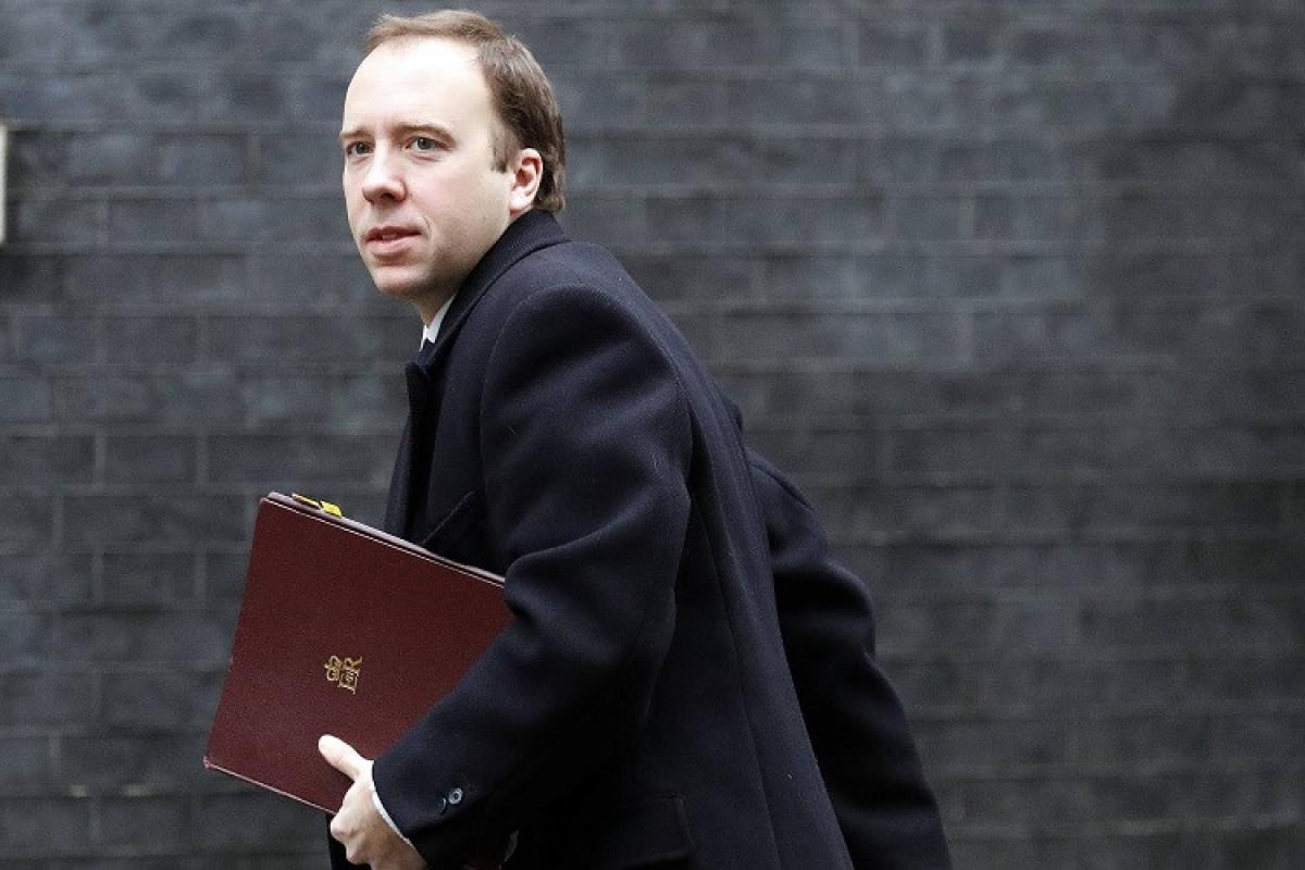 Britaniyanın səhiyyə naziri yaranmış qalmaqaldan sonra istefa verib