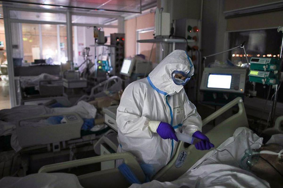 В России за  последние сутки умерли от коронавируса 599 человек