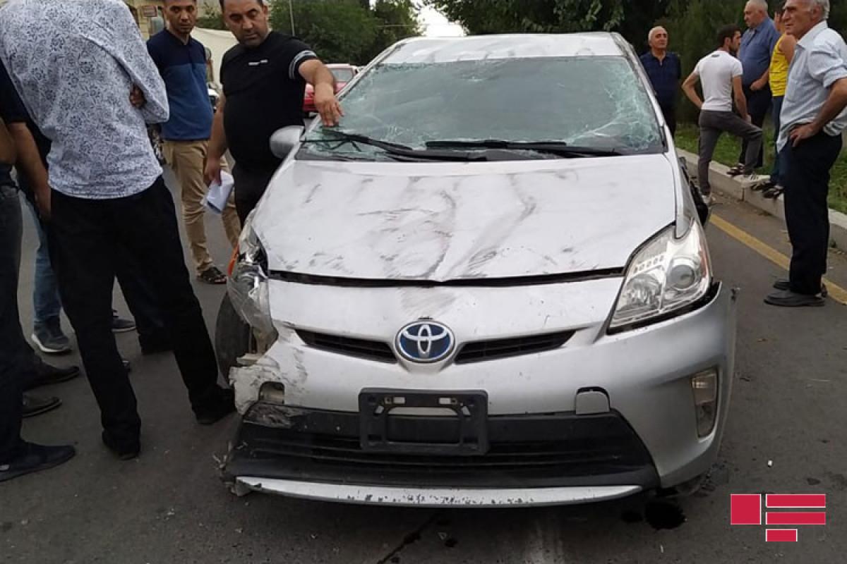 В Гяндже столкнулись два легковых автомобиля – ФОТО